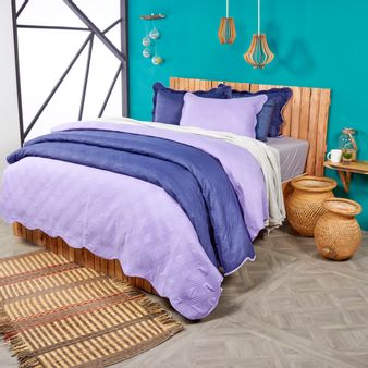Cubrelecho-bicolor-lavanda-azul-reina