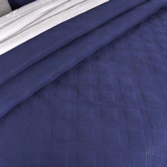 Cubrelecho-repujado-unicolor-azul-patriota
