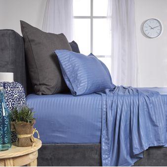 Juego-de-sabanas-embosadas-en-tela-satin-1-cm-azul-denim